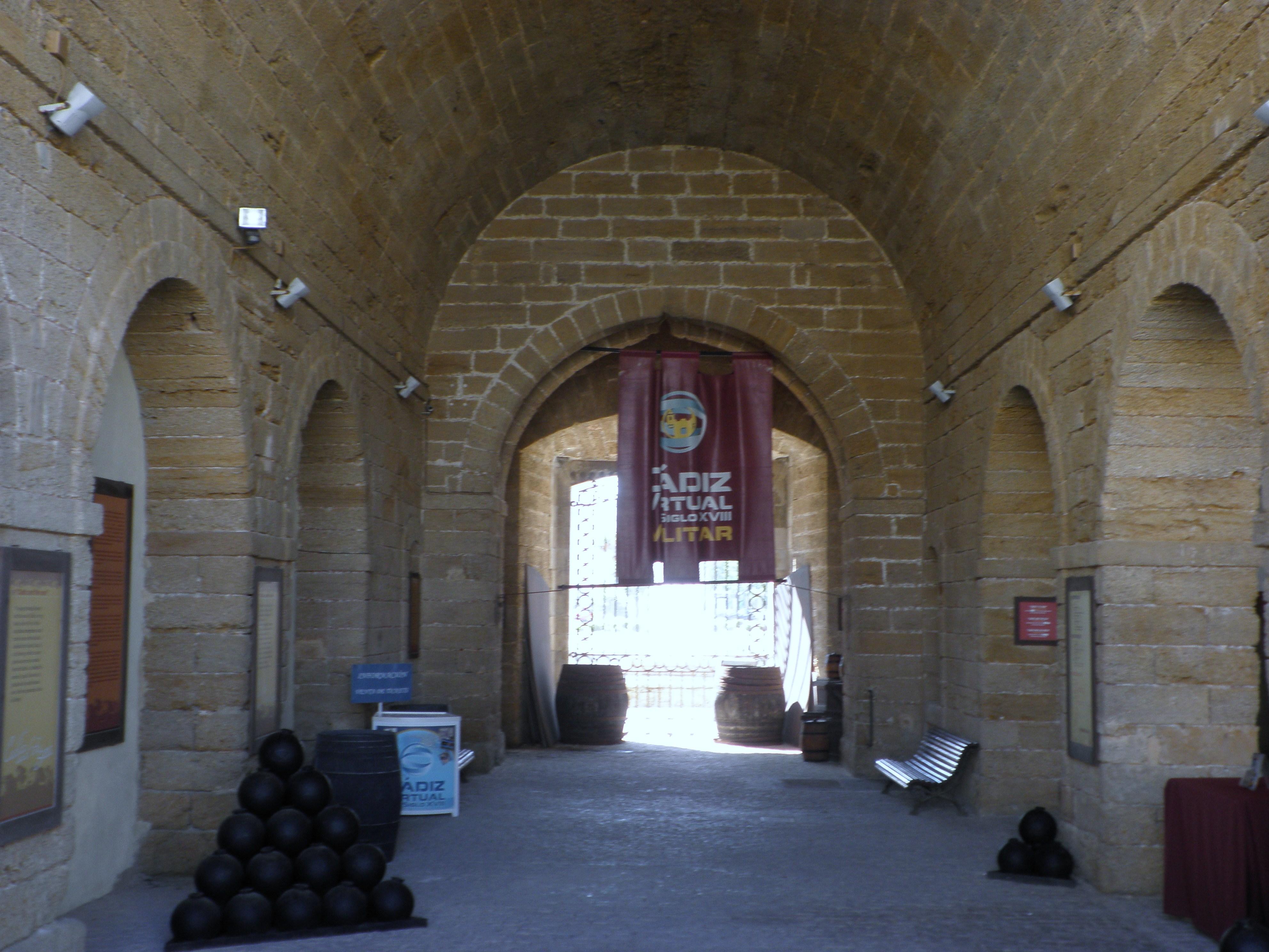 File puertas de tierra interior c diz espa for Puertas de interior en madrid