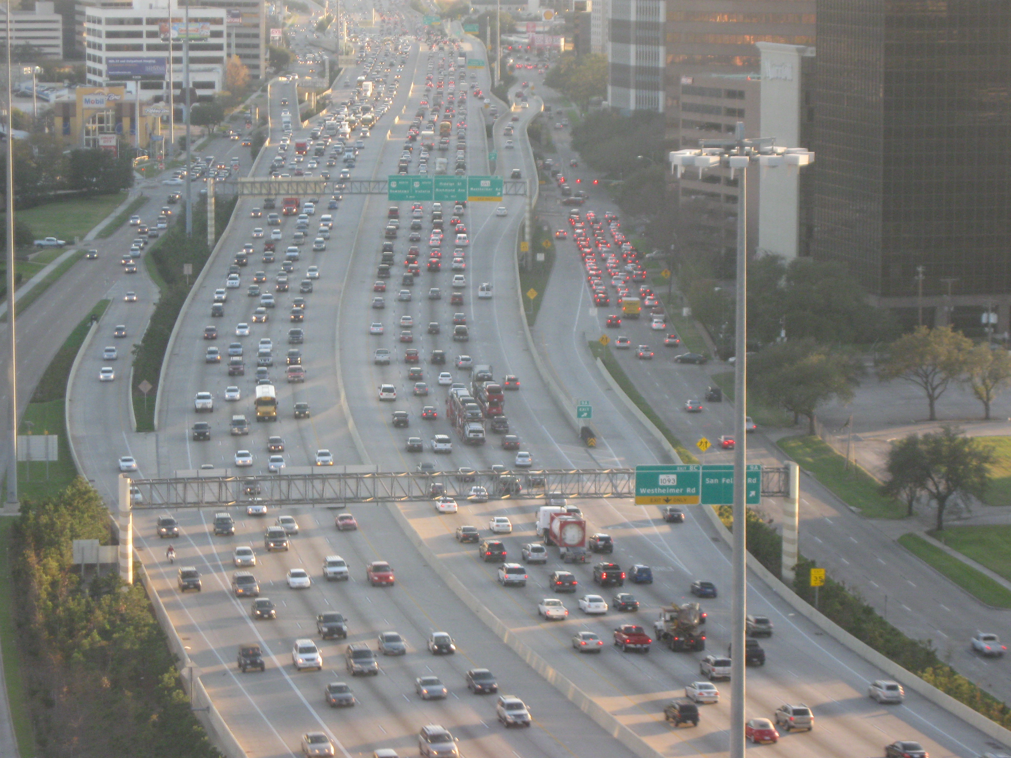 In Law Apartment Plans 18 Wheeler Accident In Houston Causes Freeway Closure On