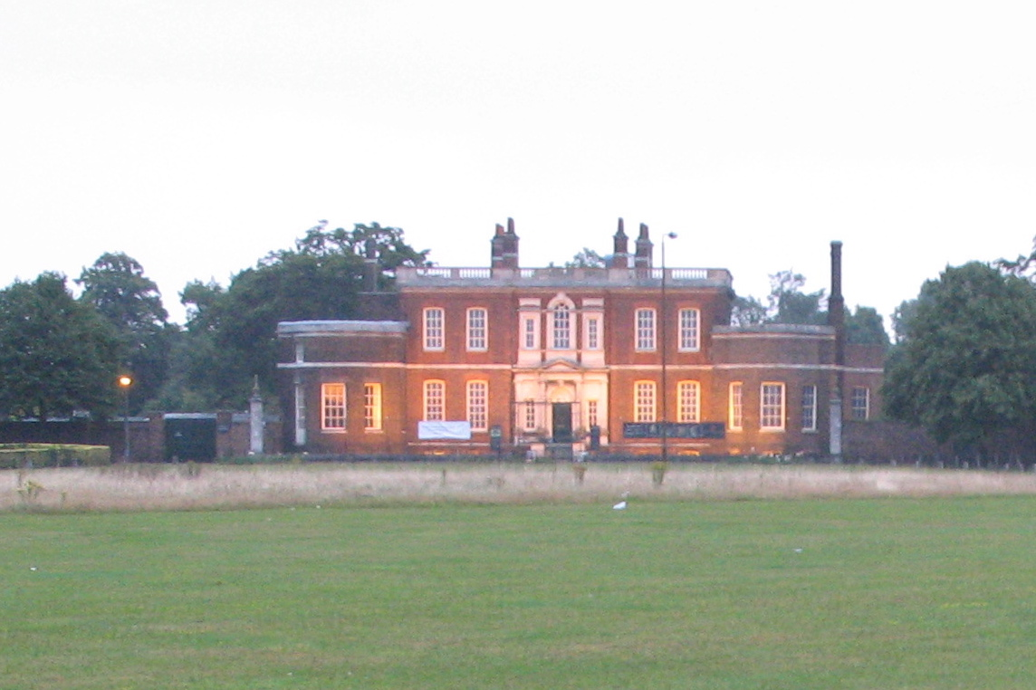 Rangers_House_Greenwich_from_Shooters_Hill_20070819_20-09.jpg
