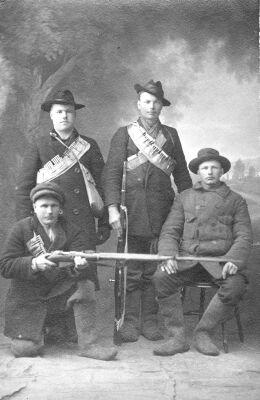 Monet suomalaisista espanjantaudin uhreista olivat vankileireille joutuneita punakaartilaisia.
