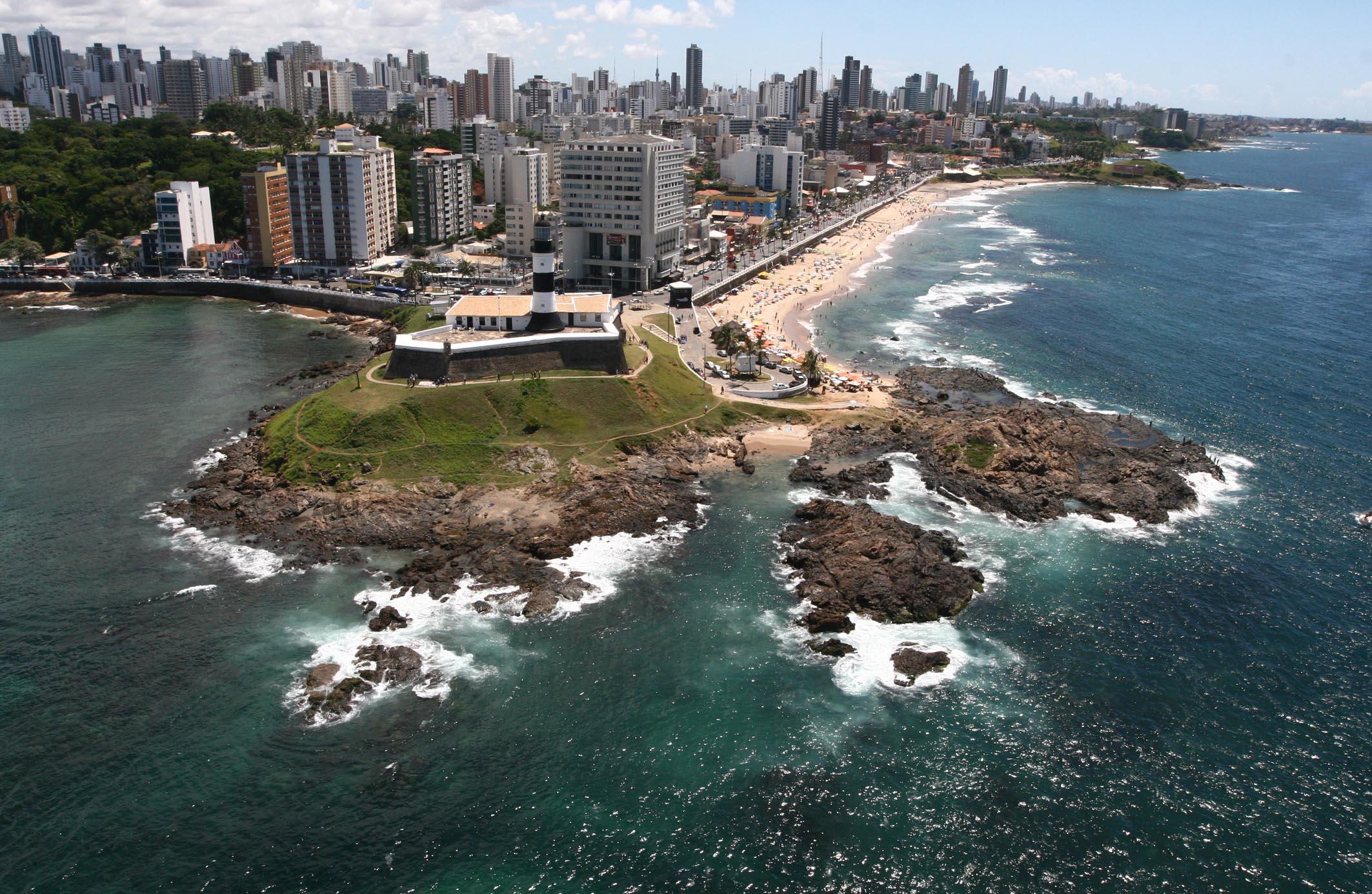 http://upload.wikimedia.org/wikipedia/commons/b/bf/Salvador_BA.jpg