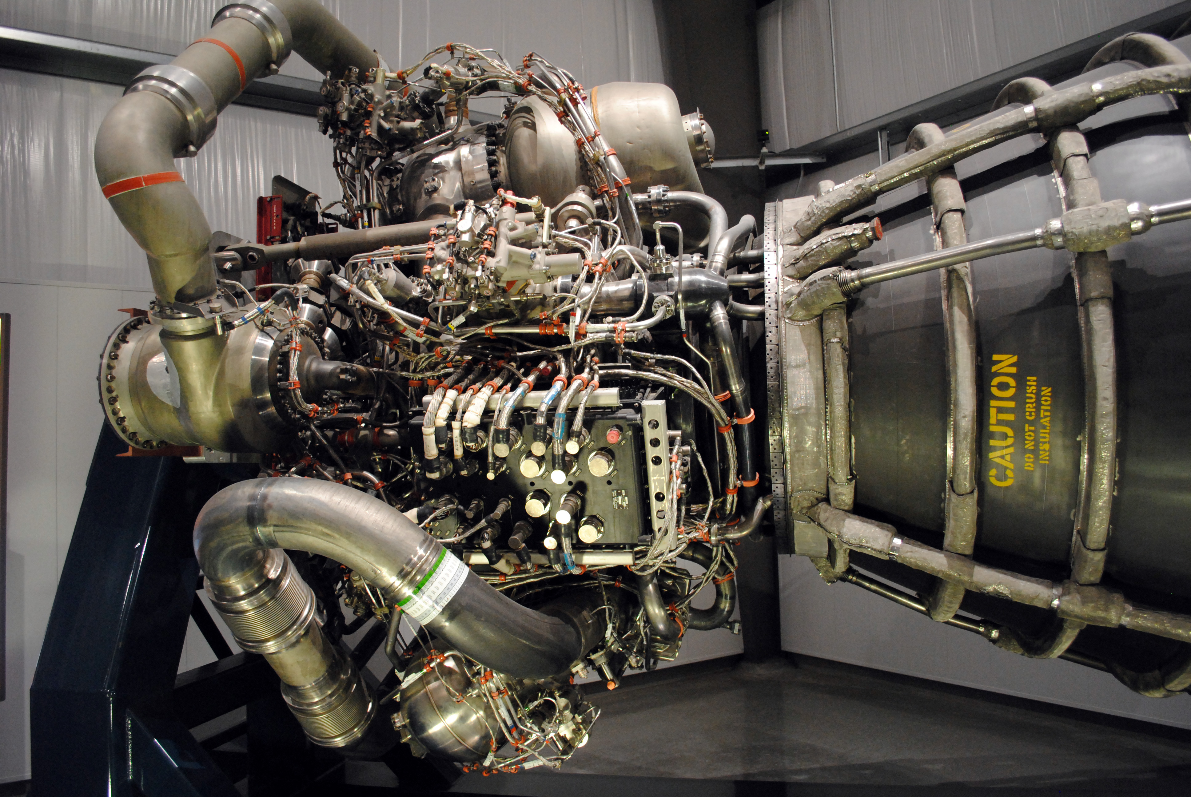 File:Space Shuttle Main Engine Internals - Flickr ...