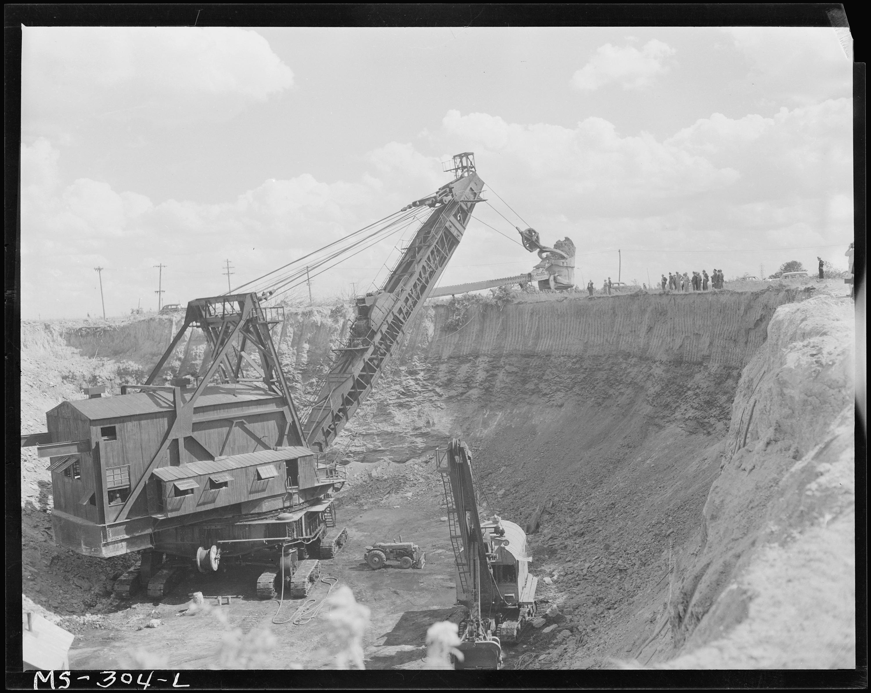 coal strip mine hydrolic shovel