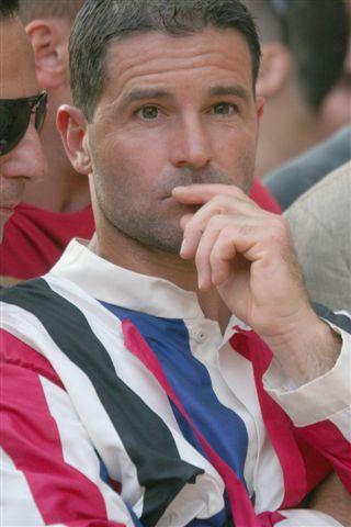 Trecciolino con i colori dell'Istrice nei giorni del Palio di Provenzano del 2008, da lui vinto
