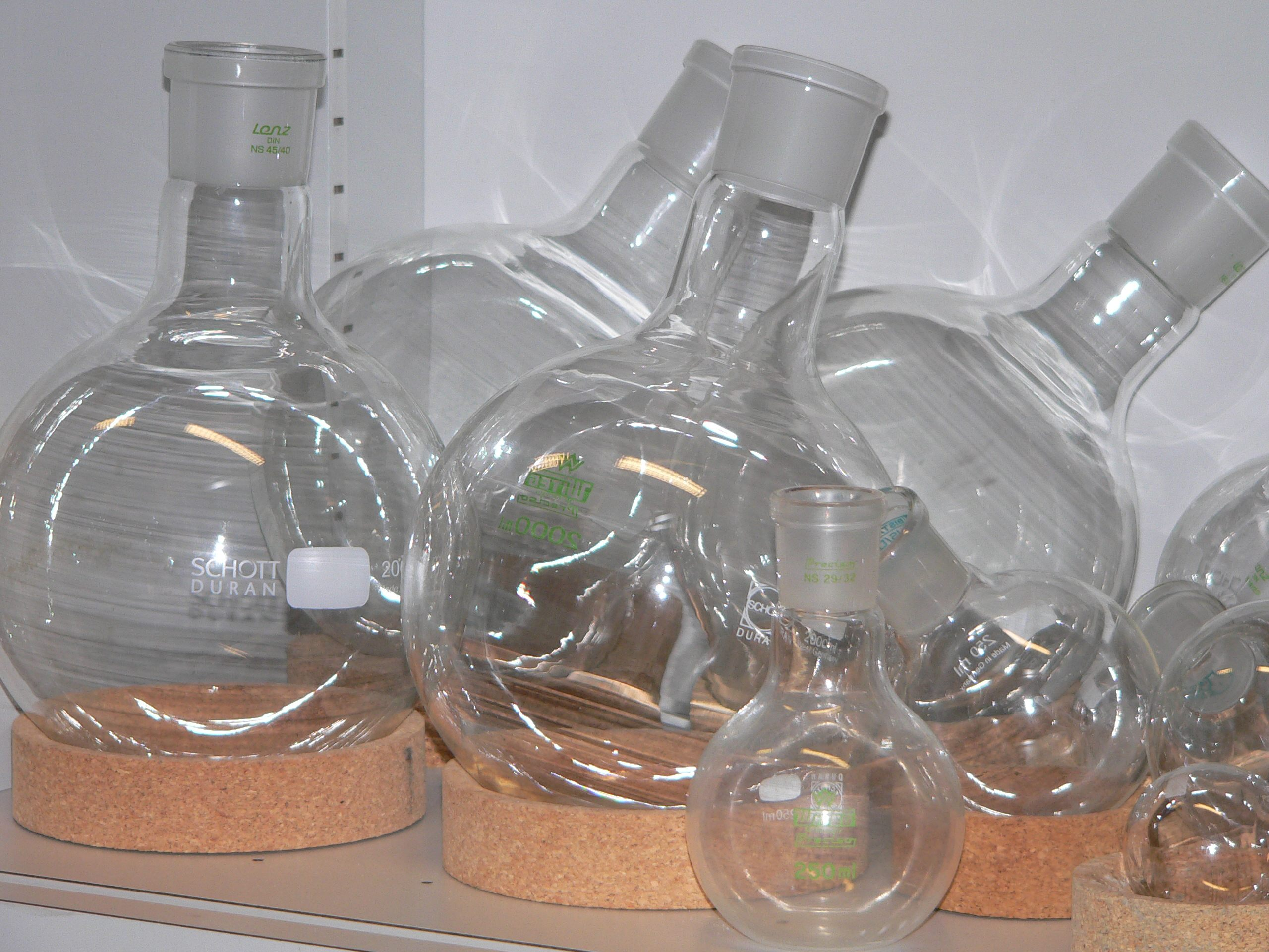 Round-bottom flask - Wikipedia