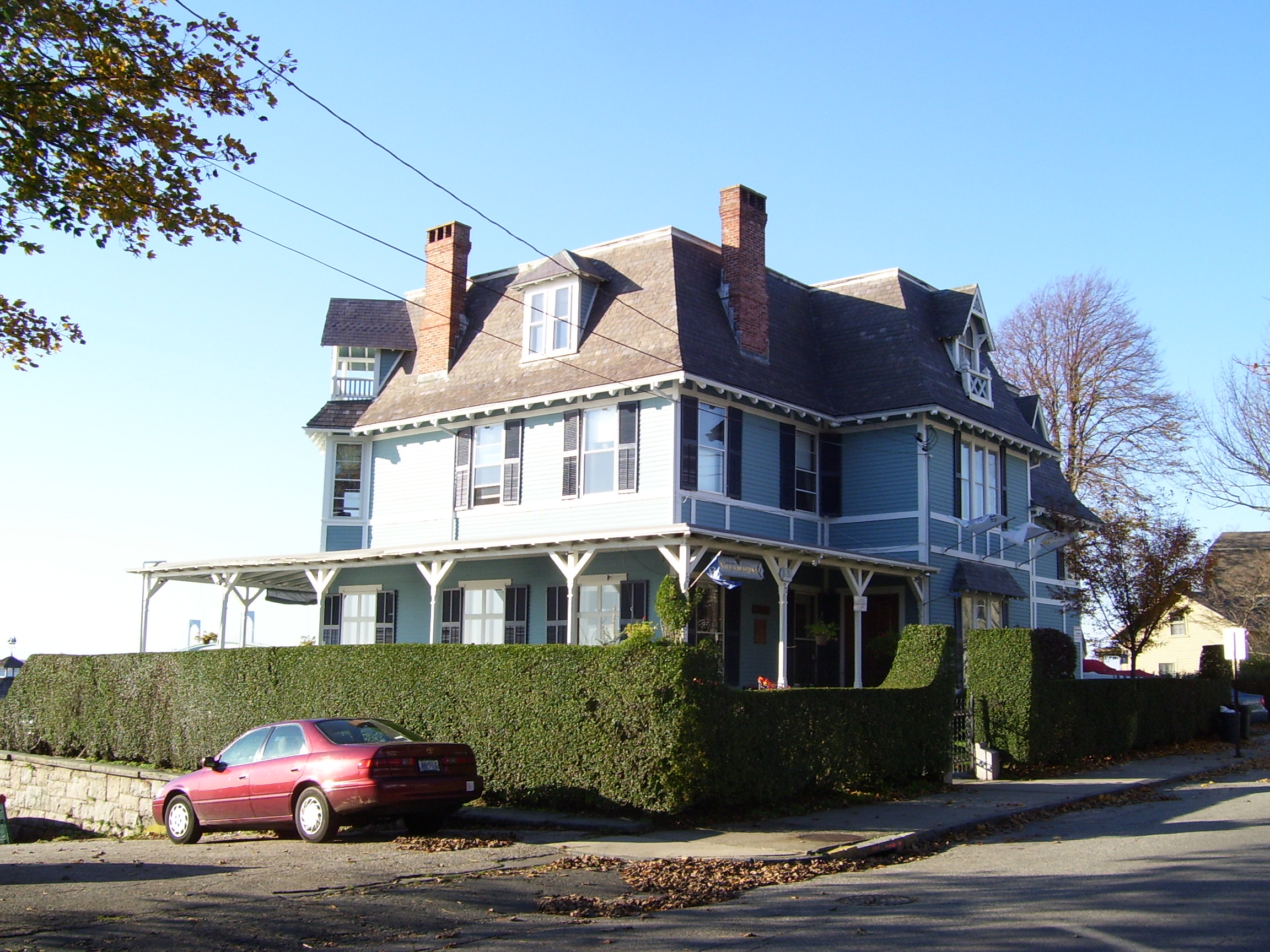 Houses for sale newport ri house plan 2017 for Rhode island home builders