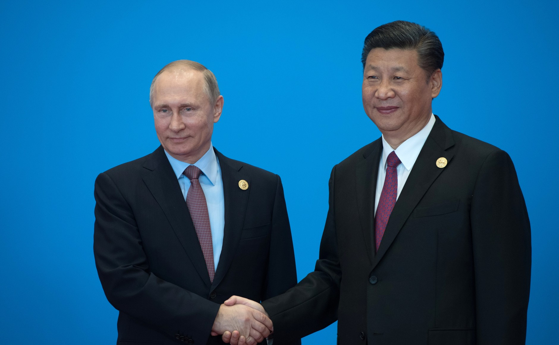File:With President of China Xi Jinping before a roundtable meeting of leaders during the Belt and Road international forum.jpg - Wikimedia Commons
