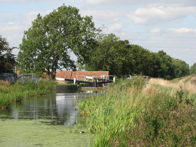 Woolsthorpe Wharf, Lock 16 on the Grantham Canal - geograph.org.uk - 1469335