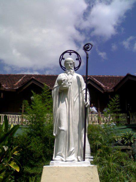 C%2fc4%2fthe statue of sylvester gozzolini at st. sylvester%27s college kandy sri lanka