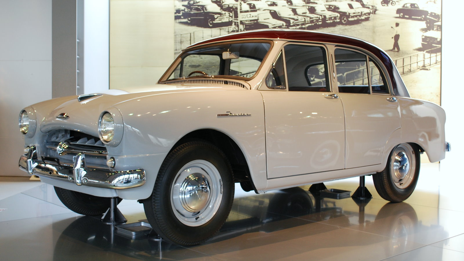 1955 Toyopet Master 01.jpg