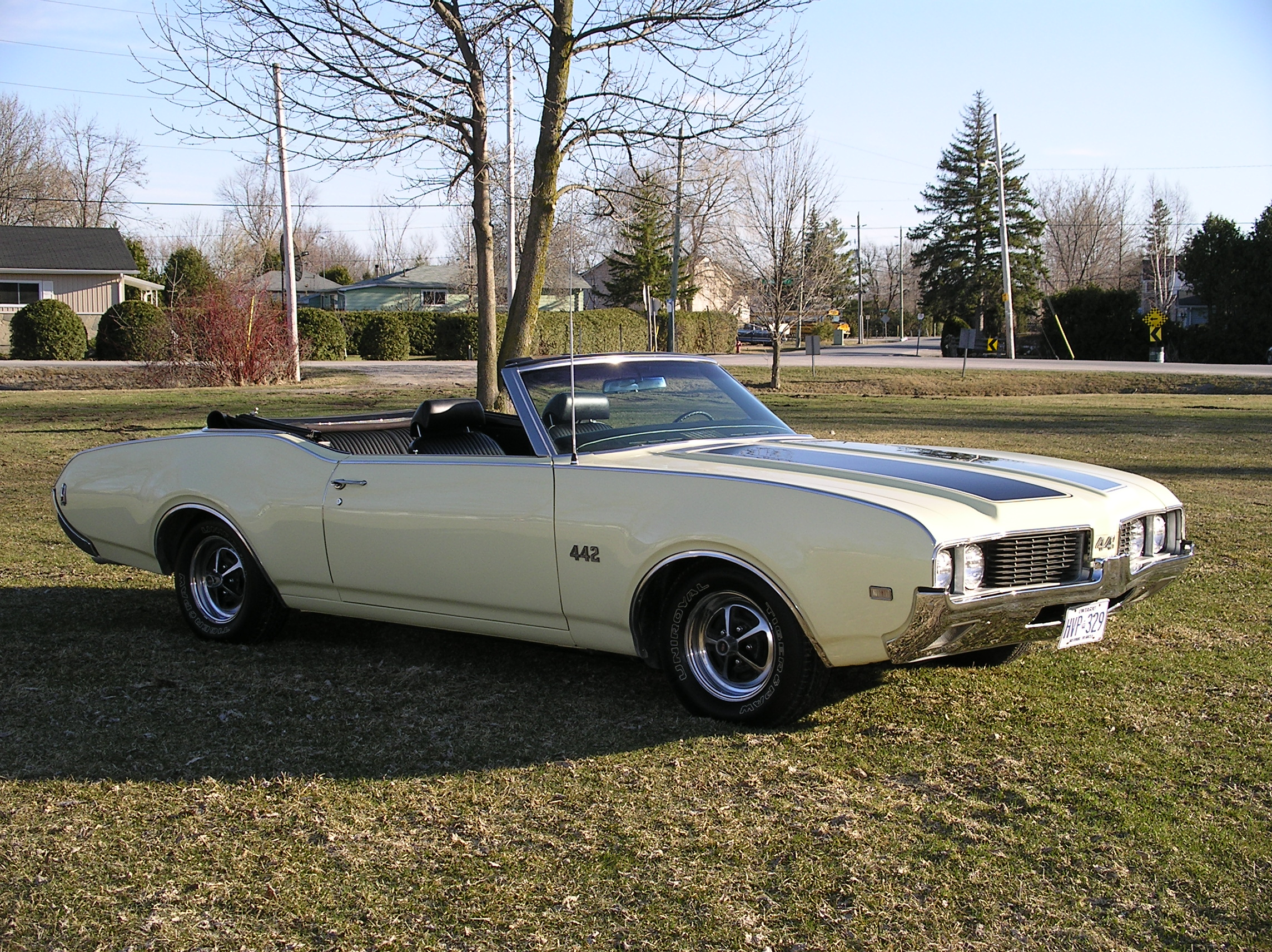 File1969 Olds 4 2 Convertible Side
