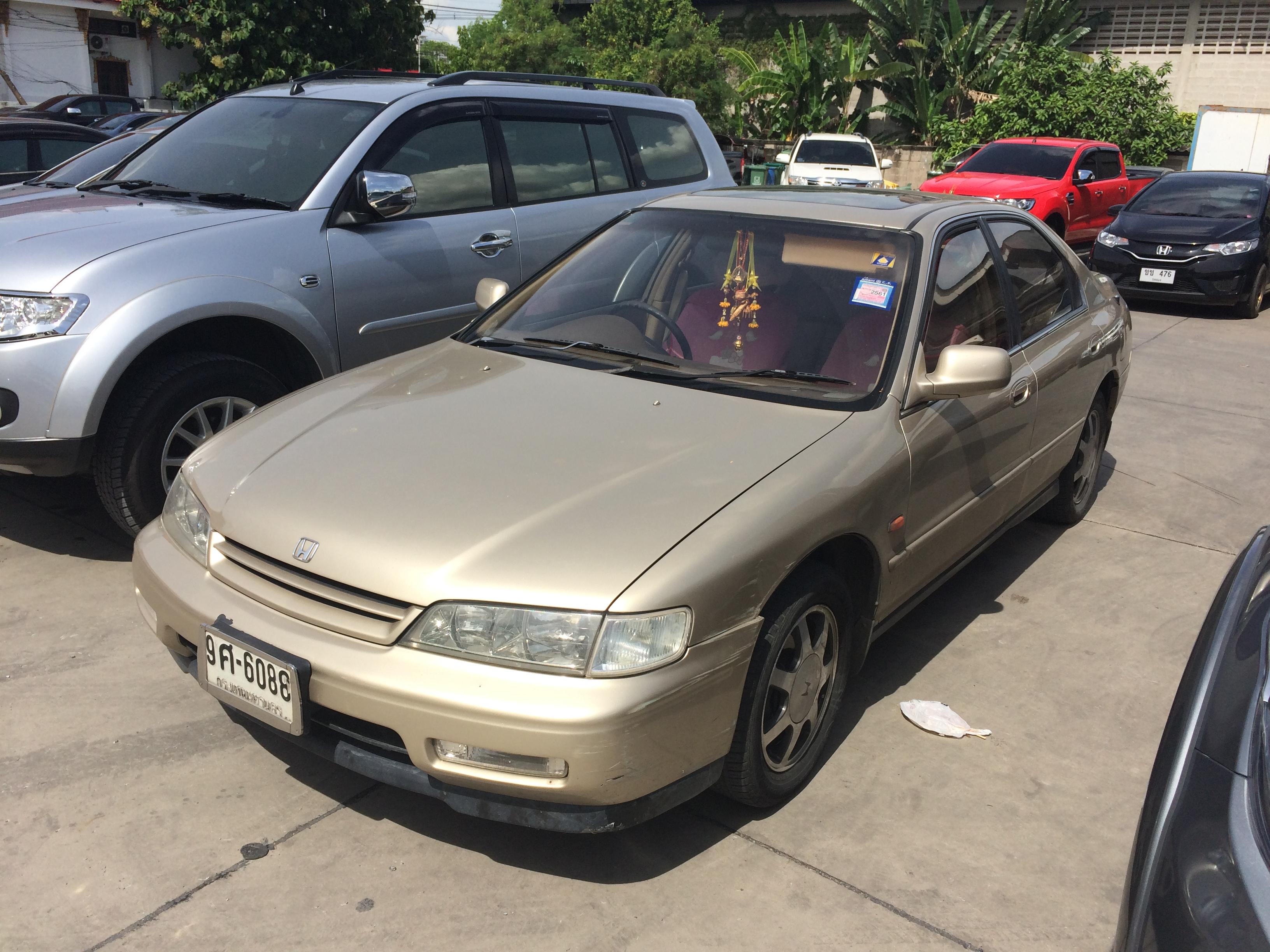 File:1993-1994 Honda Accord (CD5) 2.2 VTi-S Sedan (