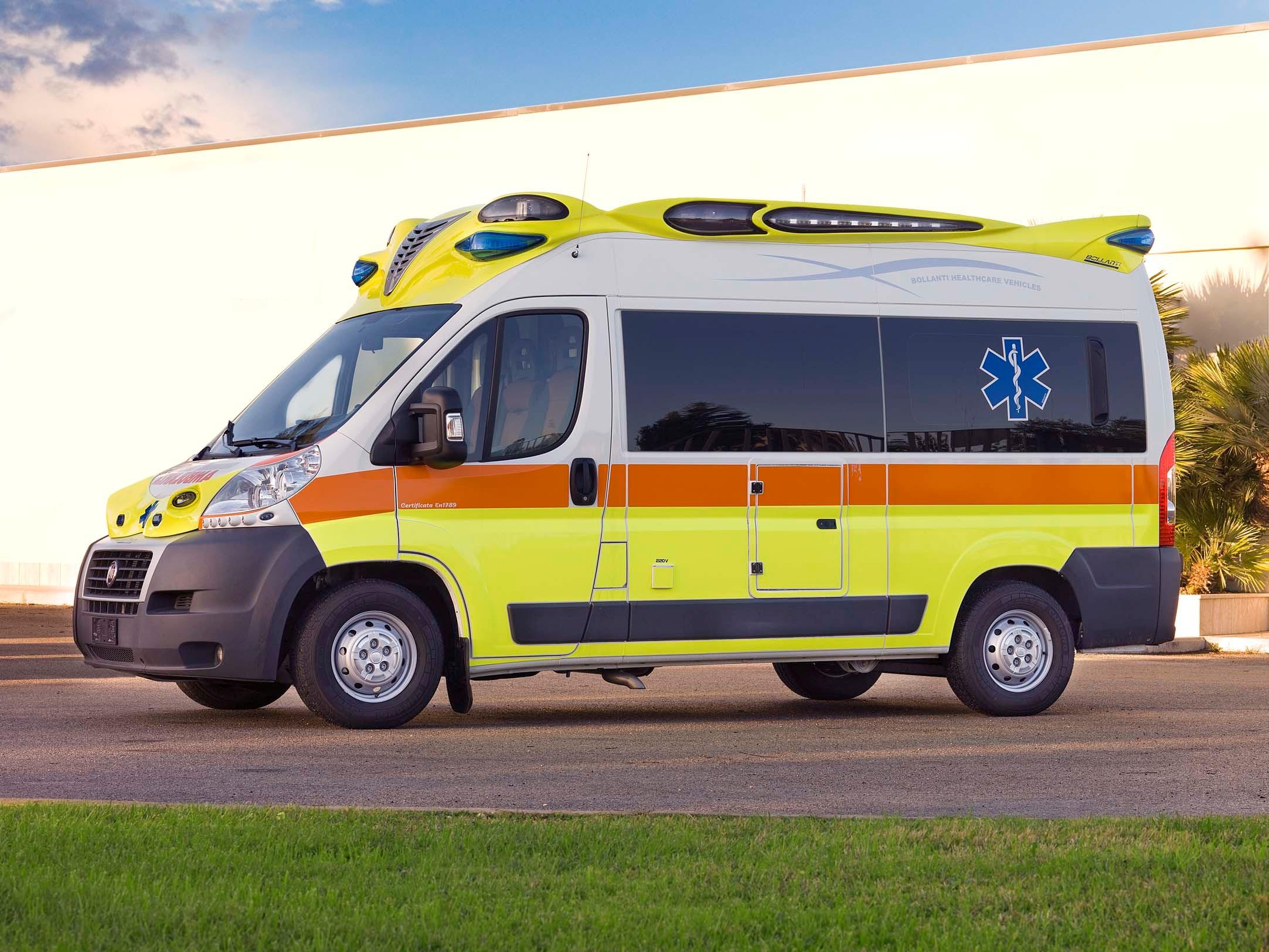 Suono sirena ambulanza scarica