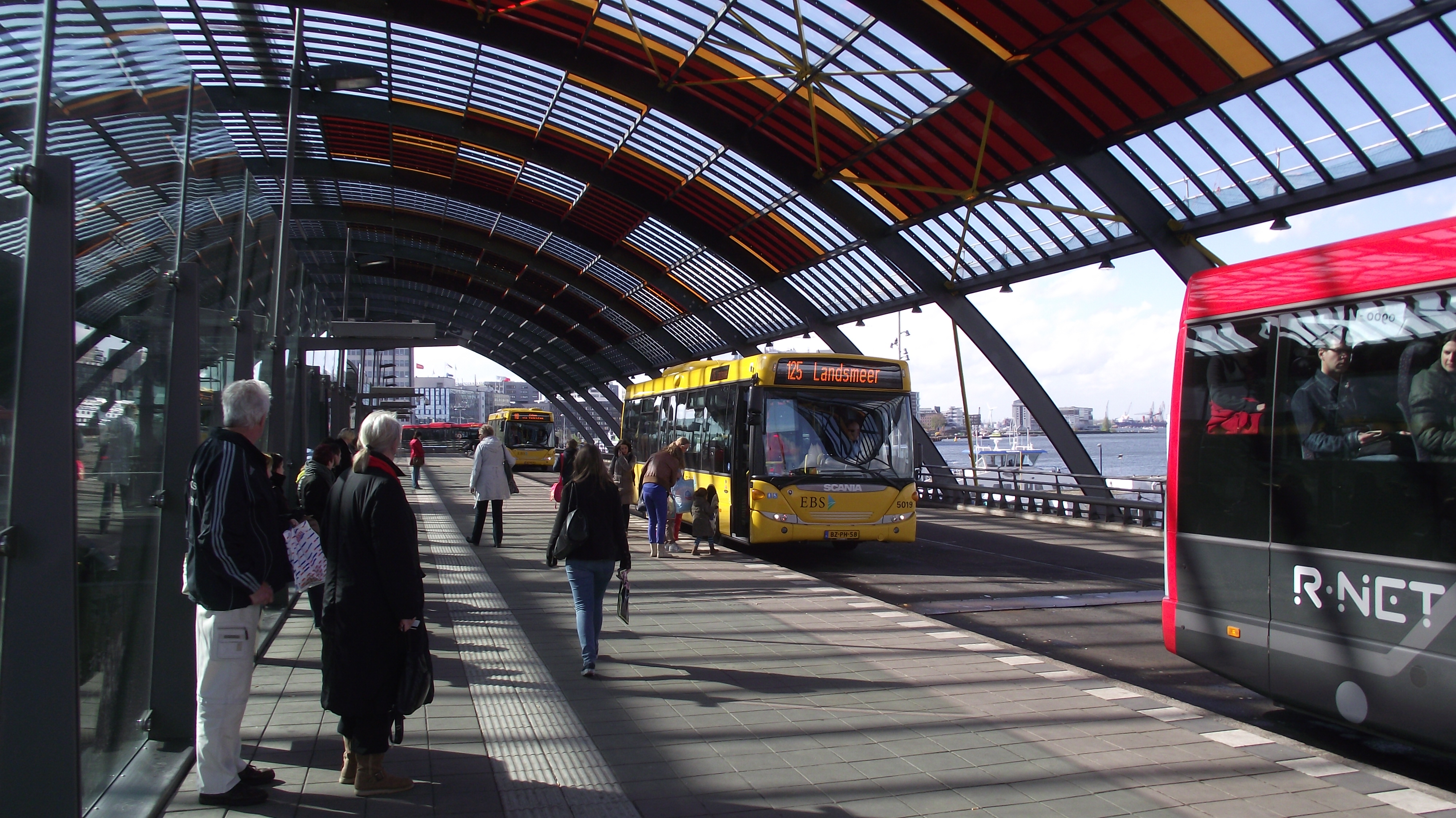 file amsterdam cs busstation bus landsmeer jpg wikimedia commons. Black Bedroom Furniture Sets. Home Design Ideas