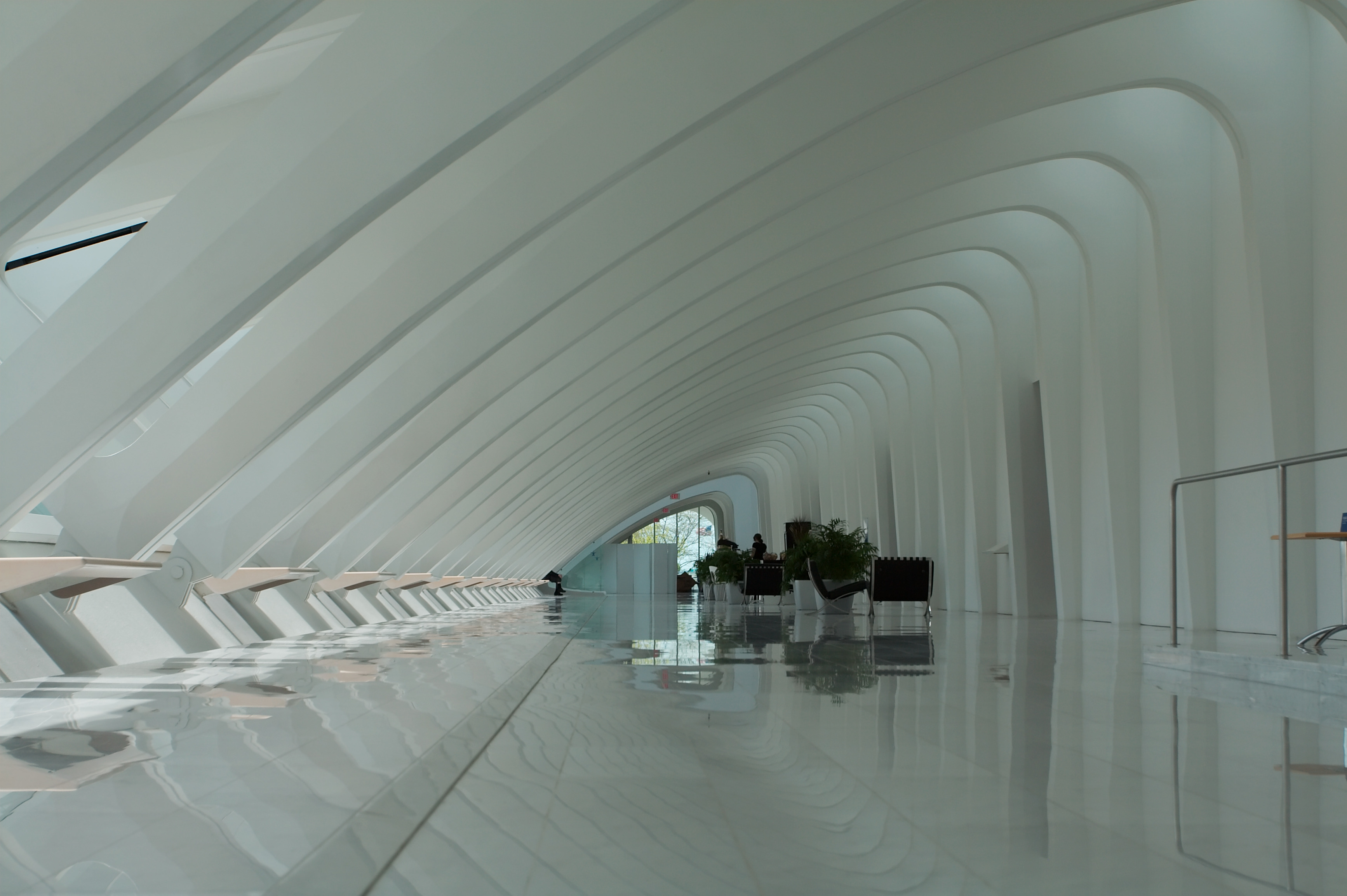 File art museum milwaukee wisconsin wikimedia for Architecture organique