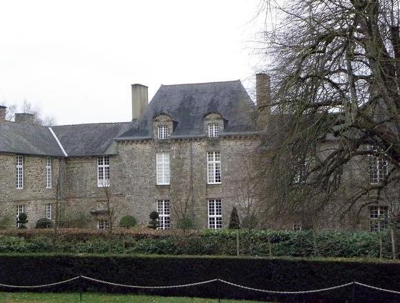 File:Bazouges-la-Pérouse (35) Château de La Ballue.jpg