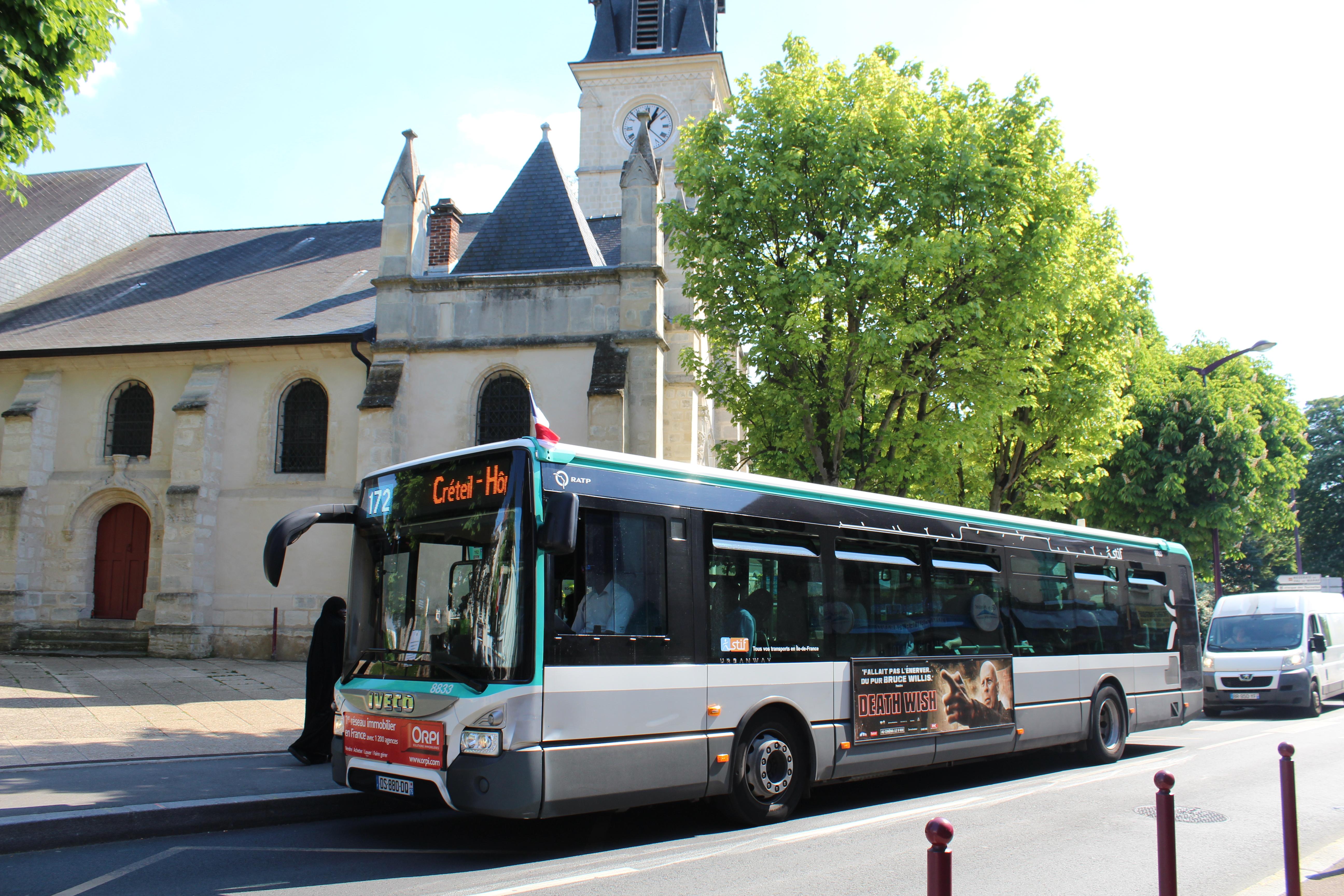 File:Bus ligne 172 Arrêt Sous préfecture Haÿ Roses 1 jpg