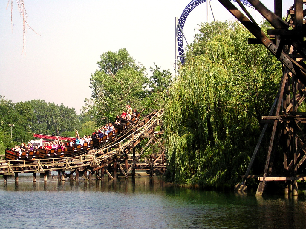 Top 15 best rides and roller coasters at cedar point for Ceader creek