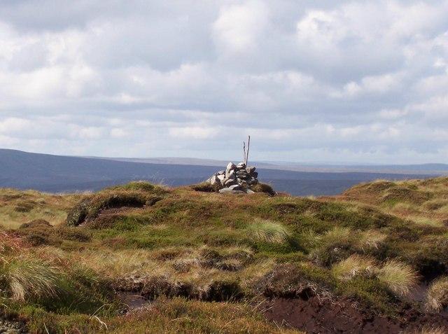 Cairn atop Little Whernside - geograph.org.uk - 404961