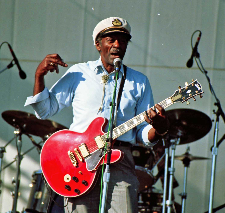 Chuck Berry durante un concierto en 1997.