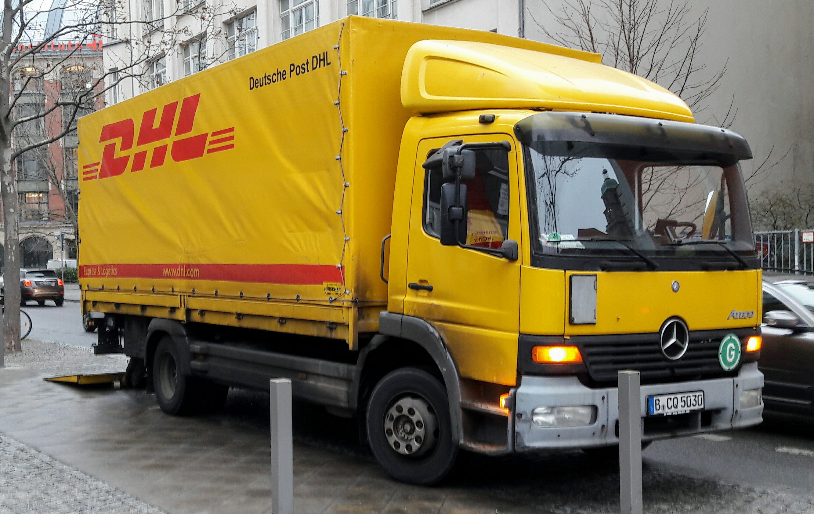 file dhl freight mb atego berlin 20161209 120354 2 jpg wikimedia commons. Black Bedroom Furniture Sets. Home Design Ideas