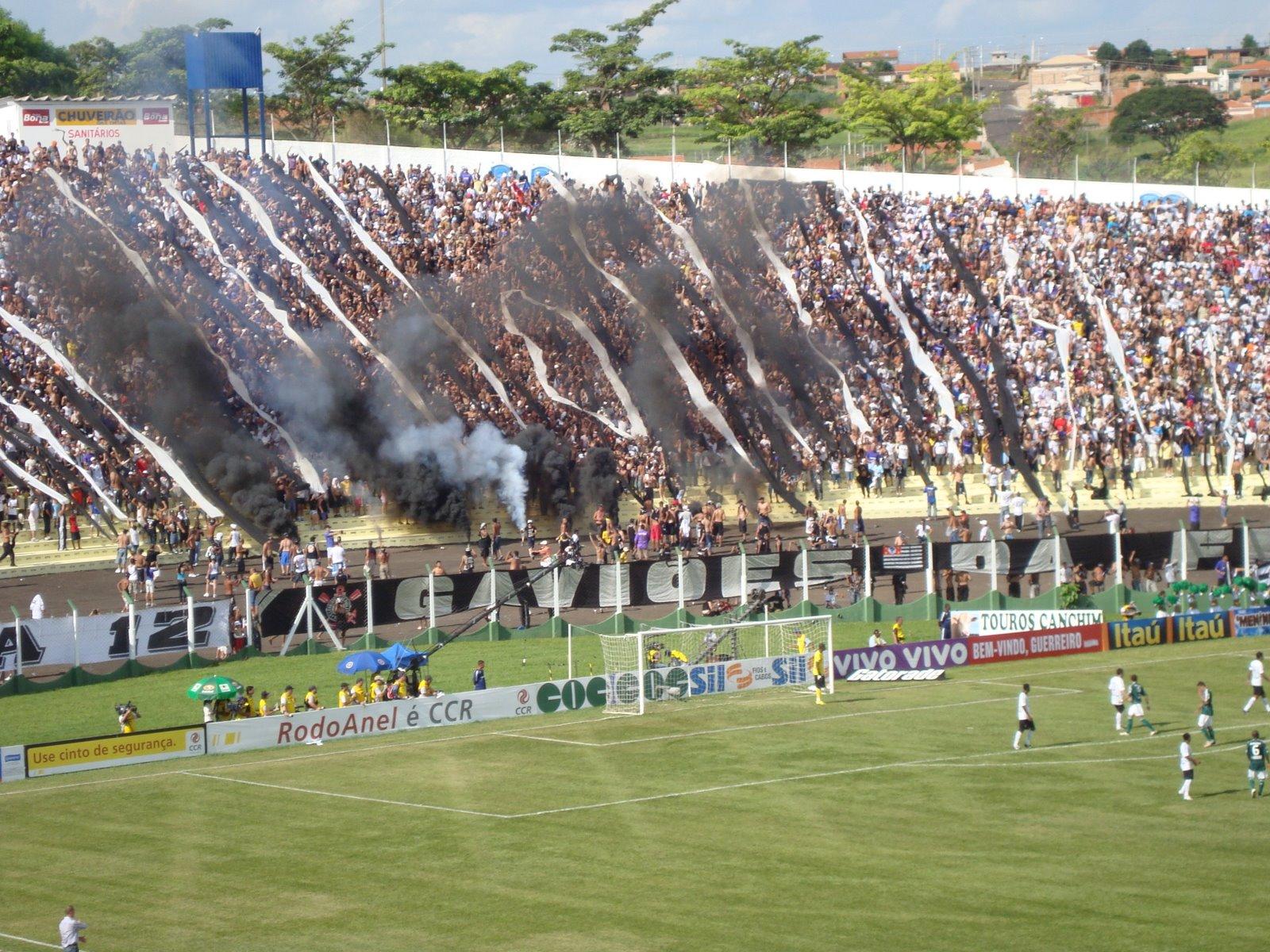 6f57676f341a2 Torcida do Corinthians durante Derby realizado em Presidente Prudente em  2009