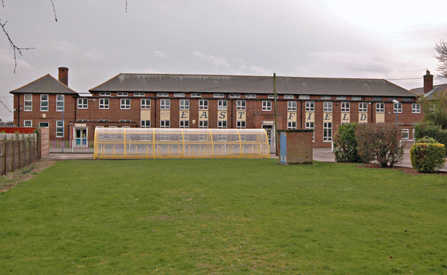 Eastfield Primary School - Wikipedia
