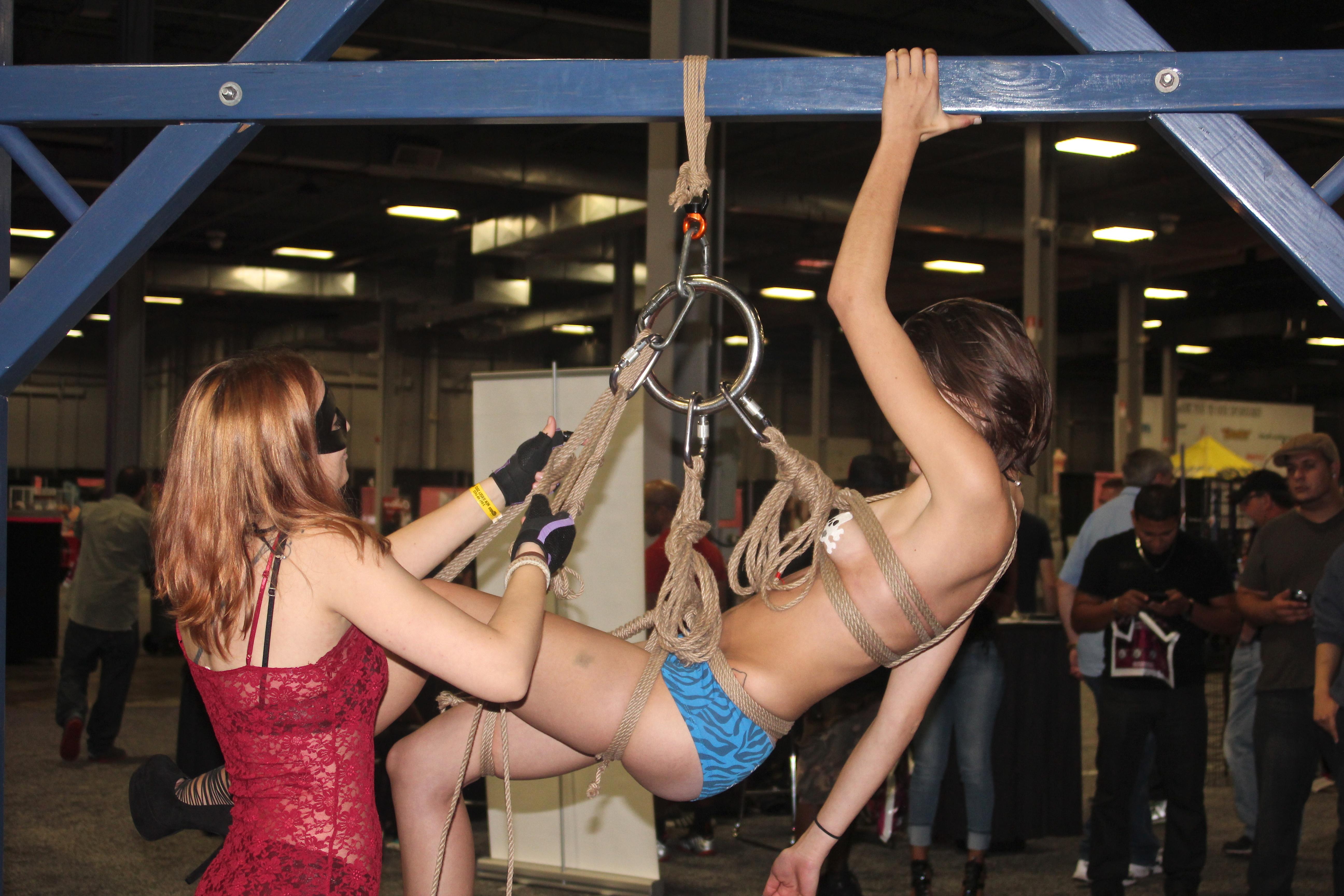 File:Exxxotica NJ 2013 suspension bondage demo 01.jpg ...