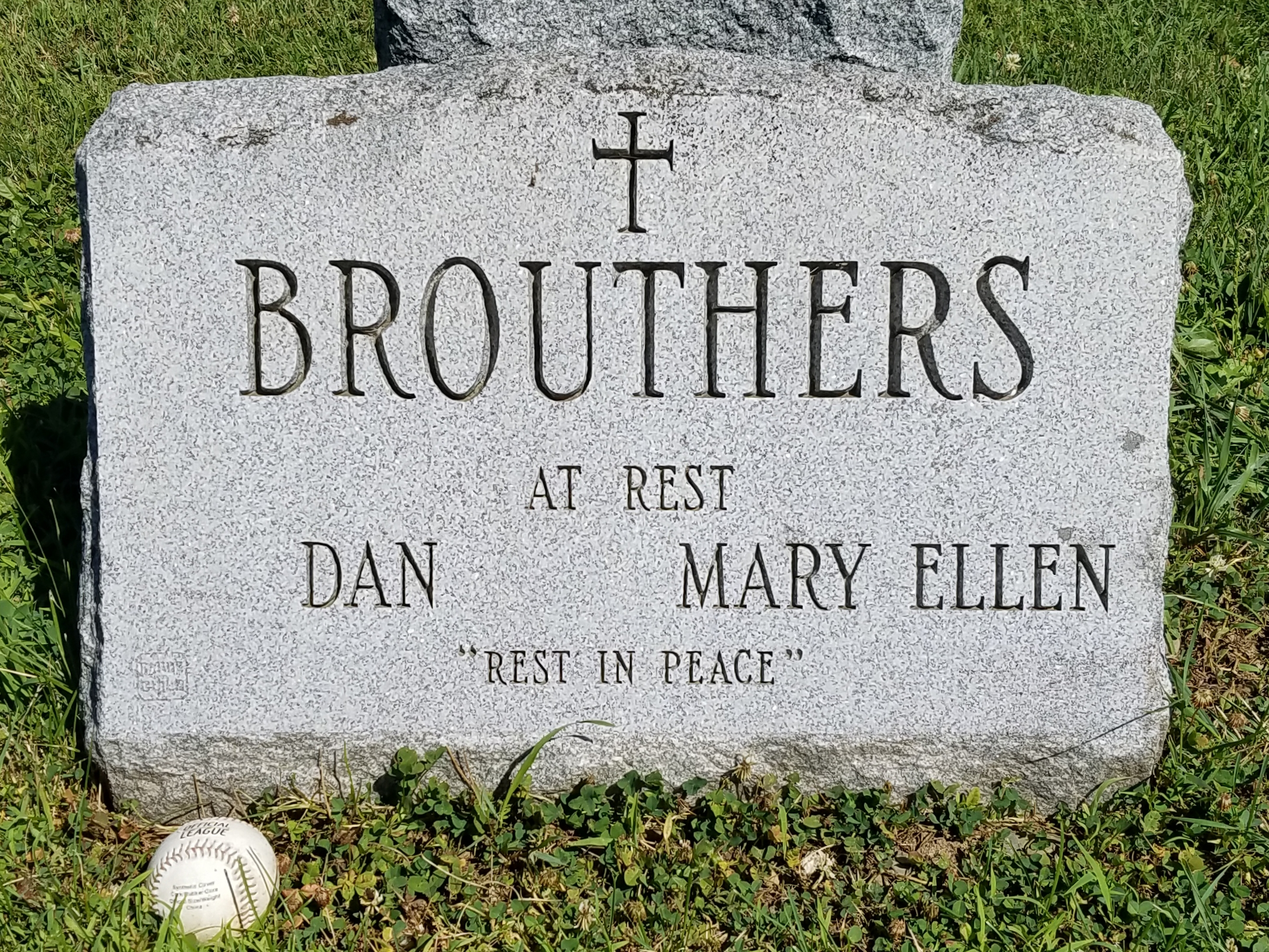 grave of dan brouthers.jpg