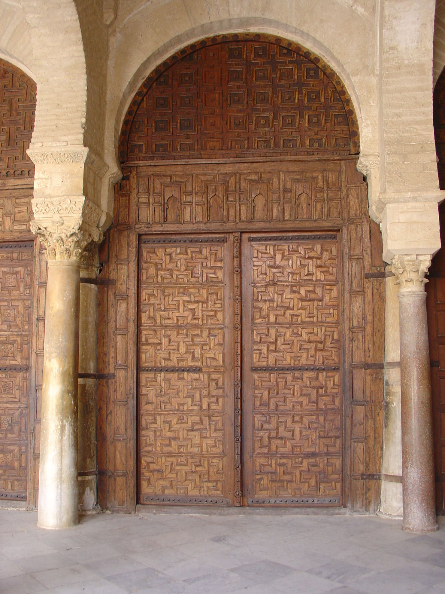 File great mosque of kairouan wikimedia commons for Classic main door design