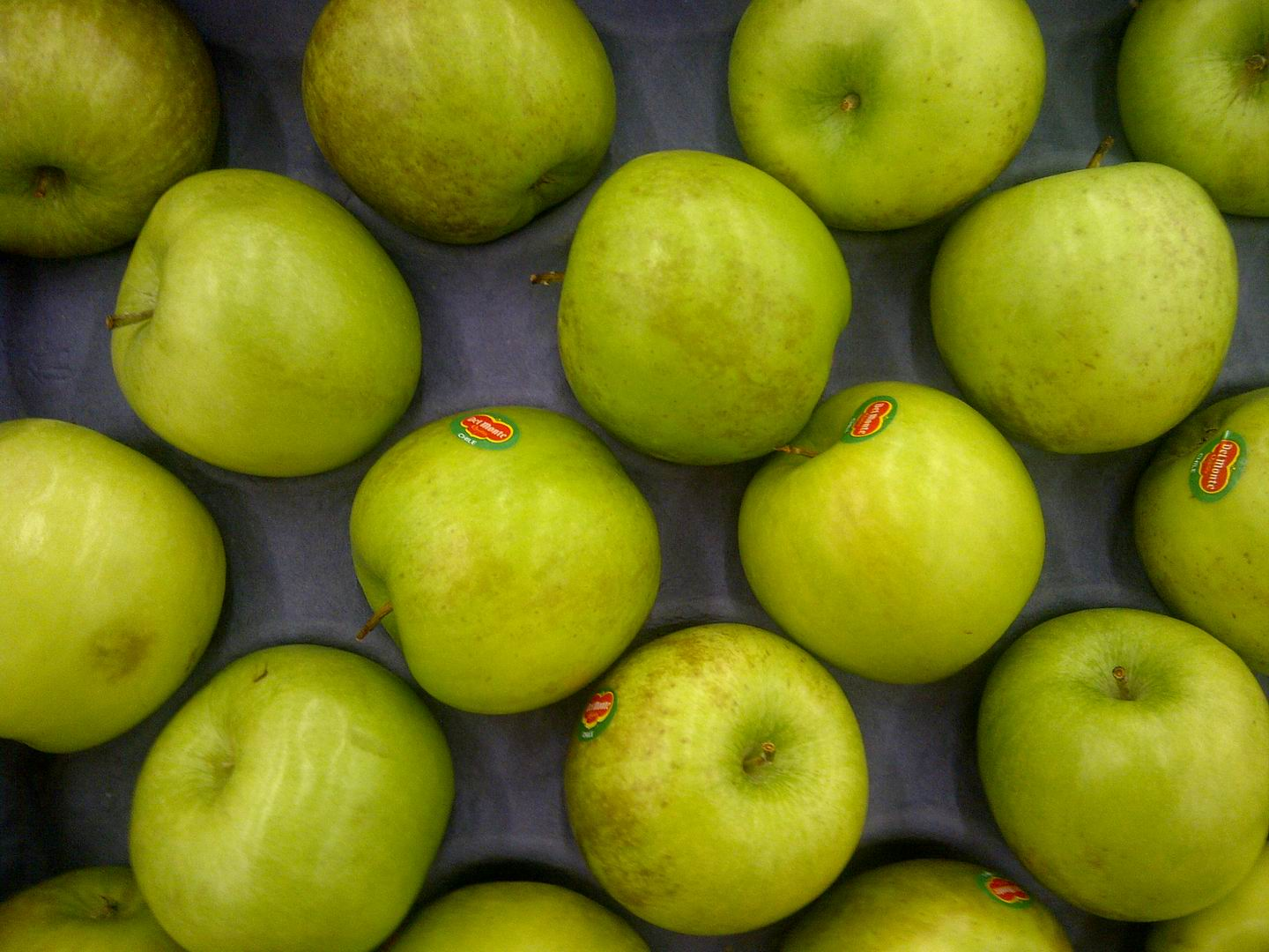 Types of Green Apple's http://commons.wikimedia.org/wiki/File:Green_Apple-R.jpg