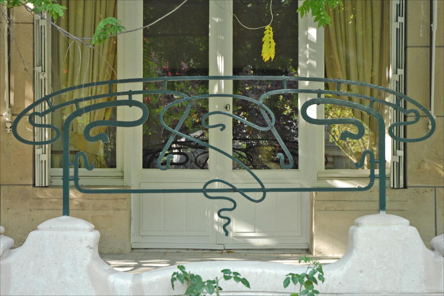 File:Grille en fer forgé de la terrasse (La Hublotière) (6192781762 ...