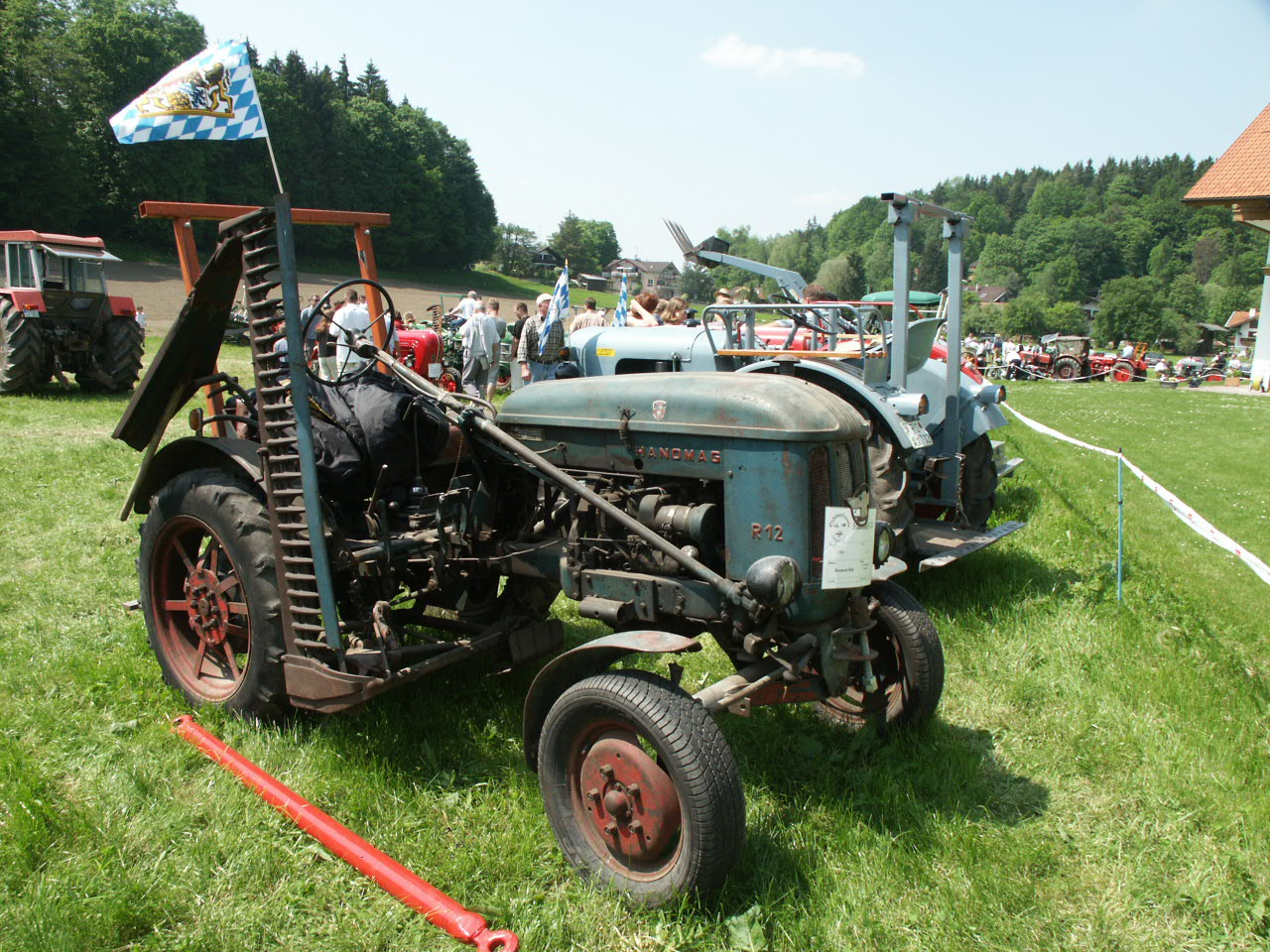 Description Hanomag R12(1955).JPG