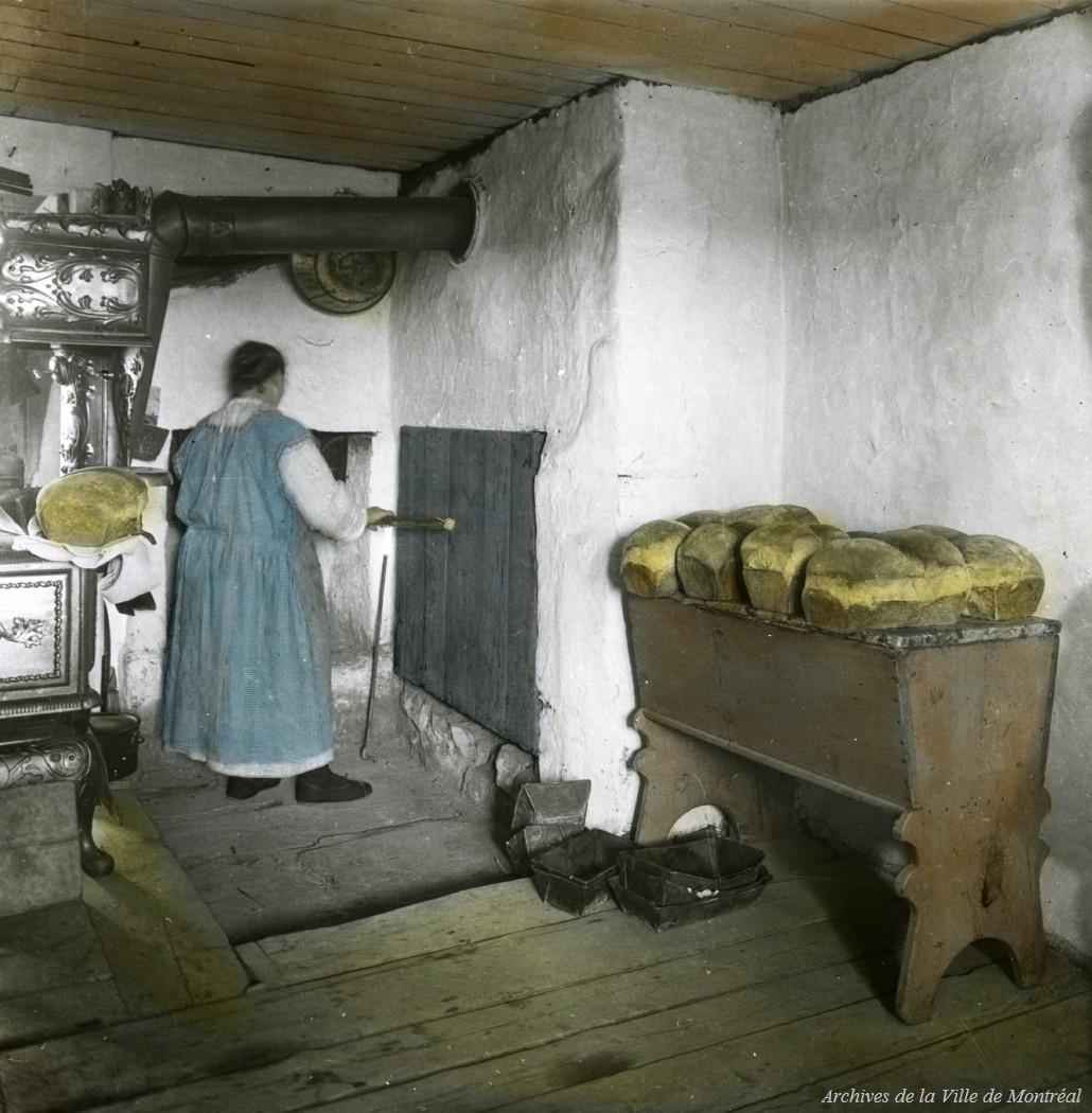 File:Interieur de la maison de madame Gagnon a Saint-Pierre ...