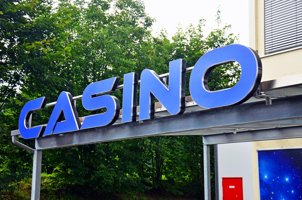 JKCarl Logo Casino.jpg English: Logo casino, gambling hall, gambling, casino Deutsch: Logo Casino, Spielothek, Spielhölle, Spielcasino Date