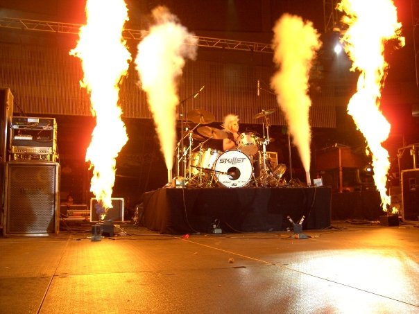 Drums: Jen Ledger http://upload.wikimedia.org/wikipedia/commons/c/