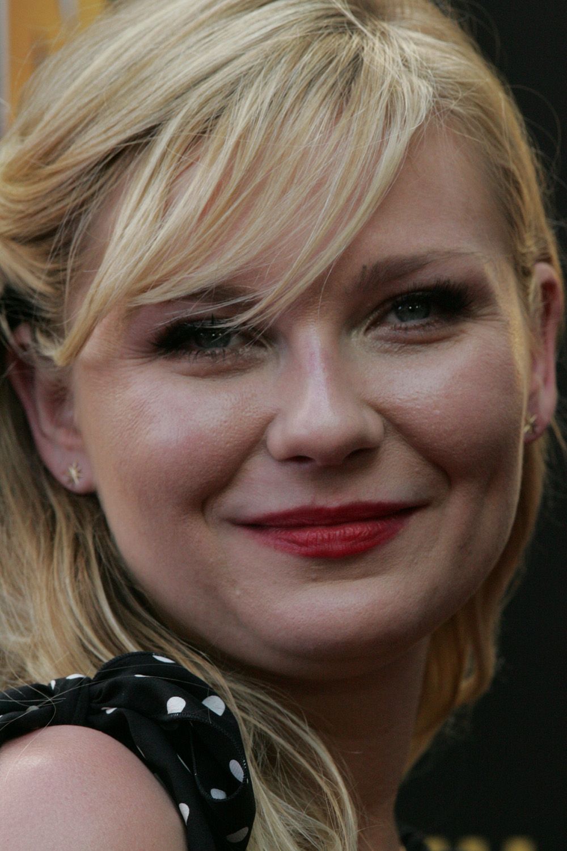Kirsten Dunst 2013 Dez astros de Hollywood que assumiram o uso de maconha publicamente