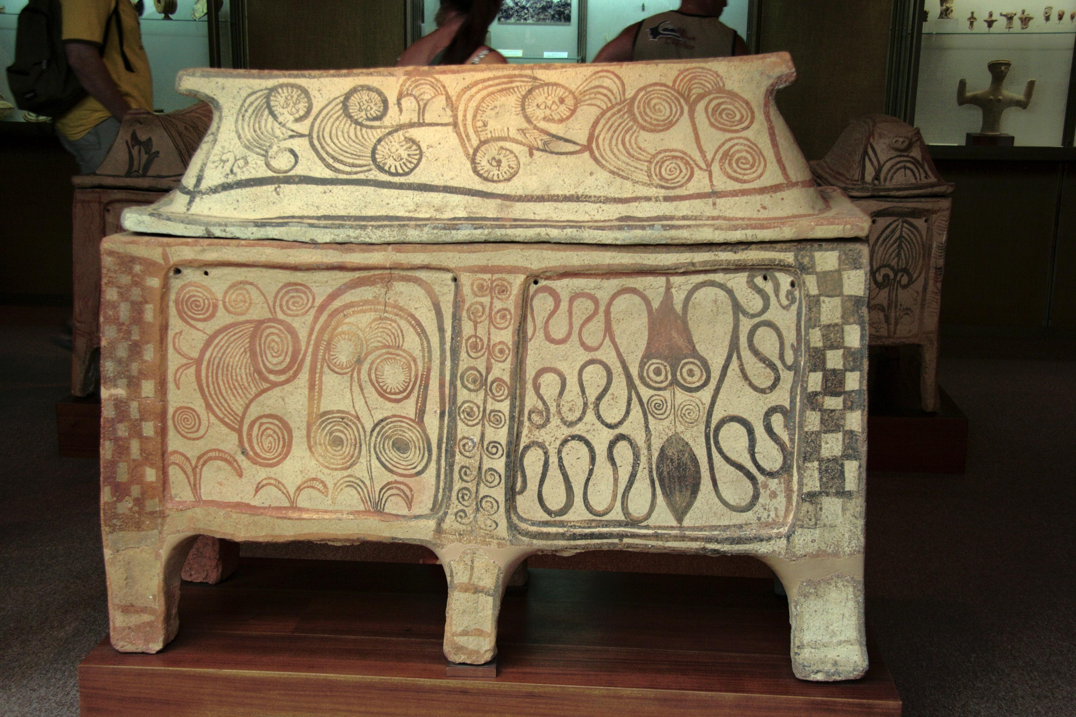 File:Larnax, Minoan, Marine Style, AM Rethymno, 076106