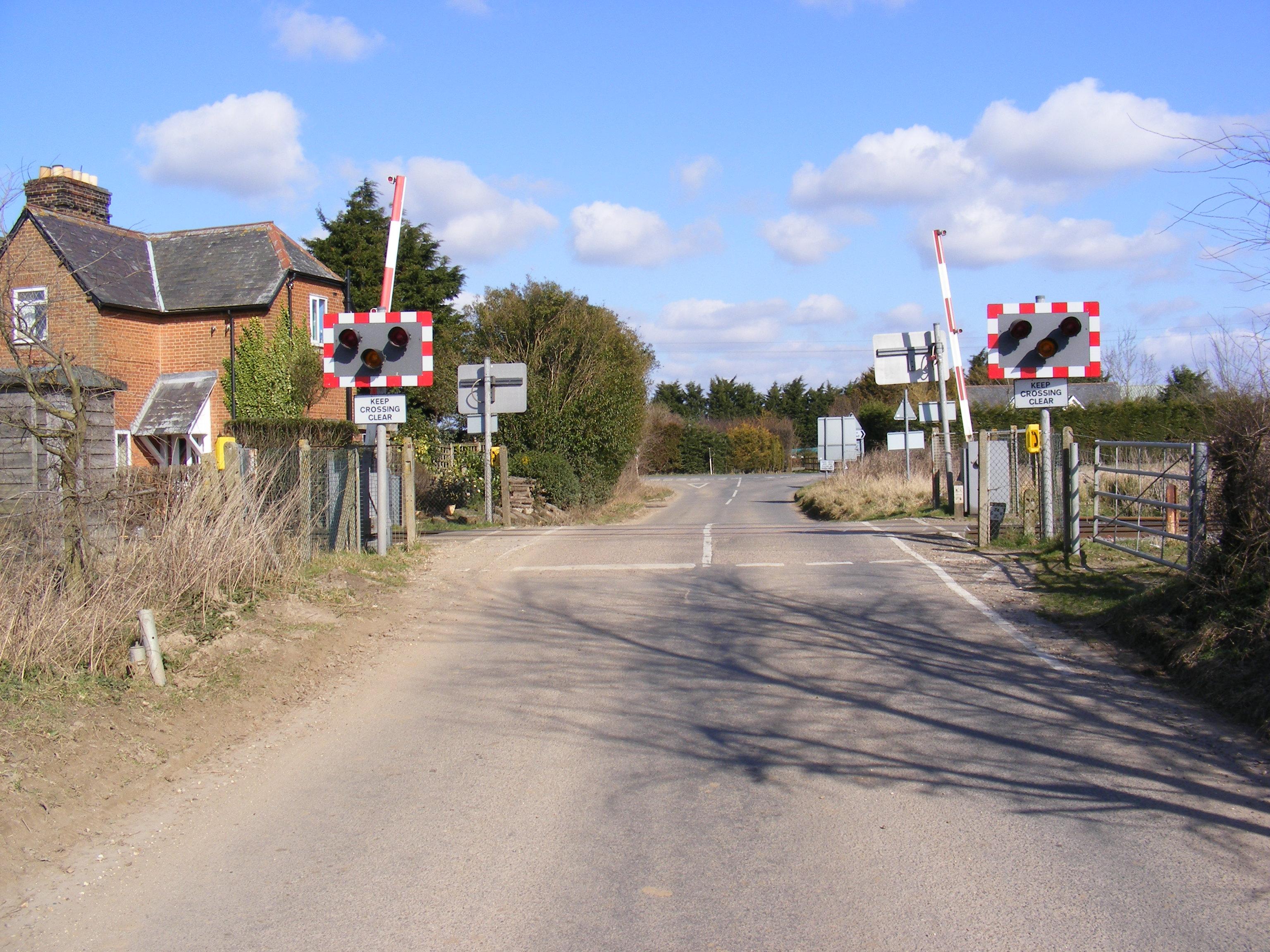 File:Level Crossing, Stratton Drift, Levington - geograph.org.uk ...
