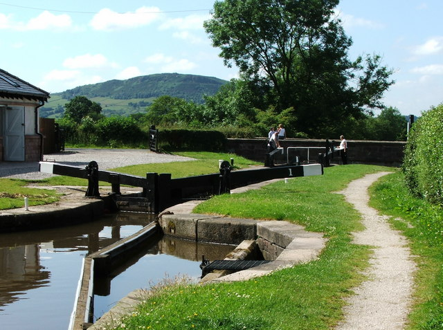 Lock 1, Macclesfield Canal near Bosley - geograph.org.uk - 440999