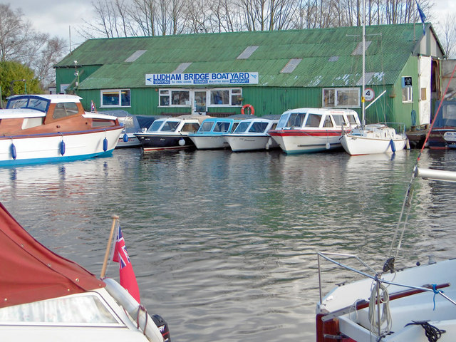 Ludham Bridge Boatyard - geograph.org.uk - 961536