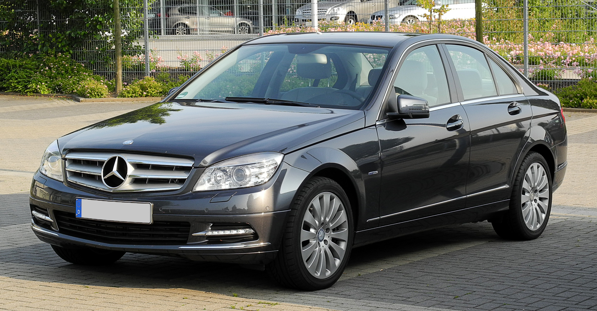 file mercedes benz c 350 cdi blueefficiency elegance w 204 frontansicht 14 juni 2011. Black Bedroom Furniture Sets. Home Design Ideas