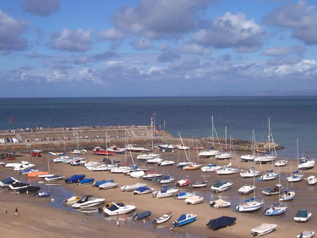 New Quay Pier - geograph.org.uk - 40142