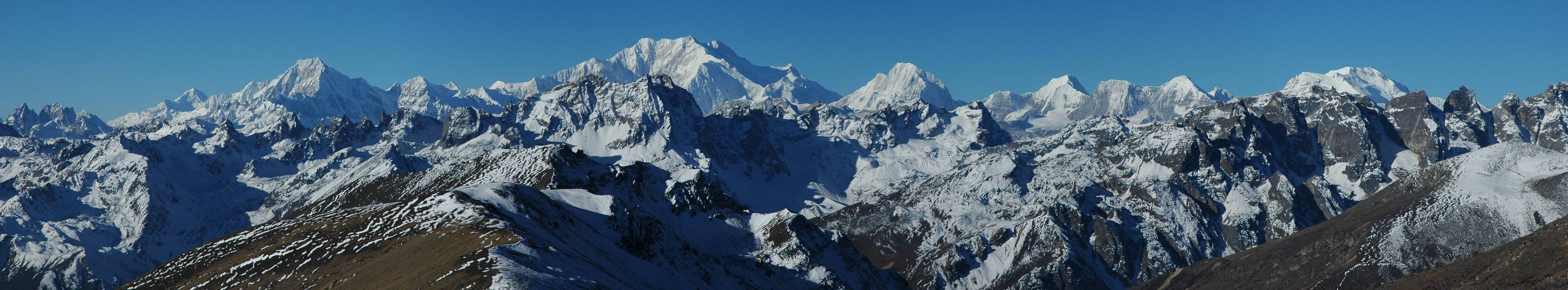 http://upload.wikimedia.org/wikipedia/commons/c/c0/Panorama_Kangchenjunga_range_from_Sikkim.jpg