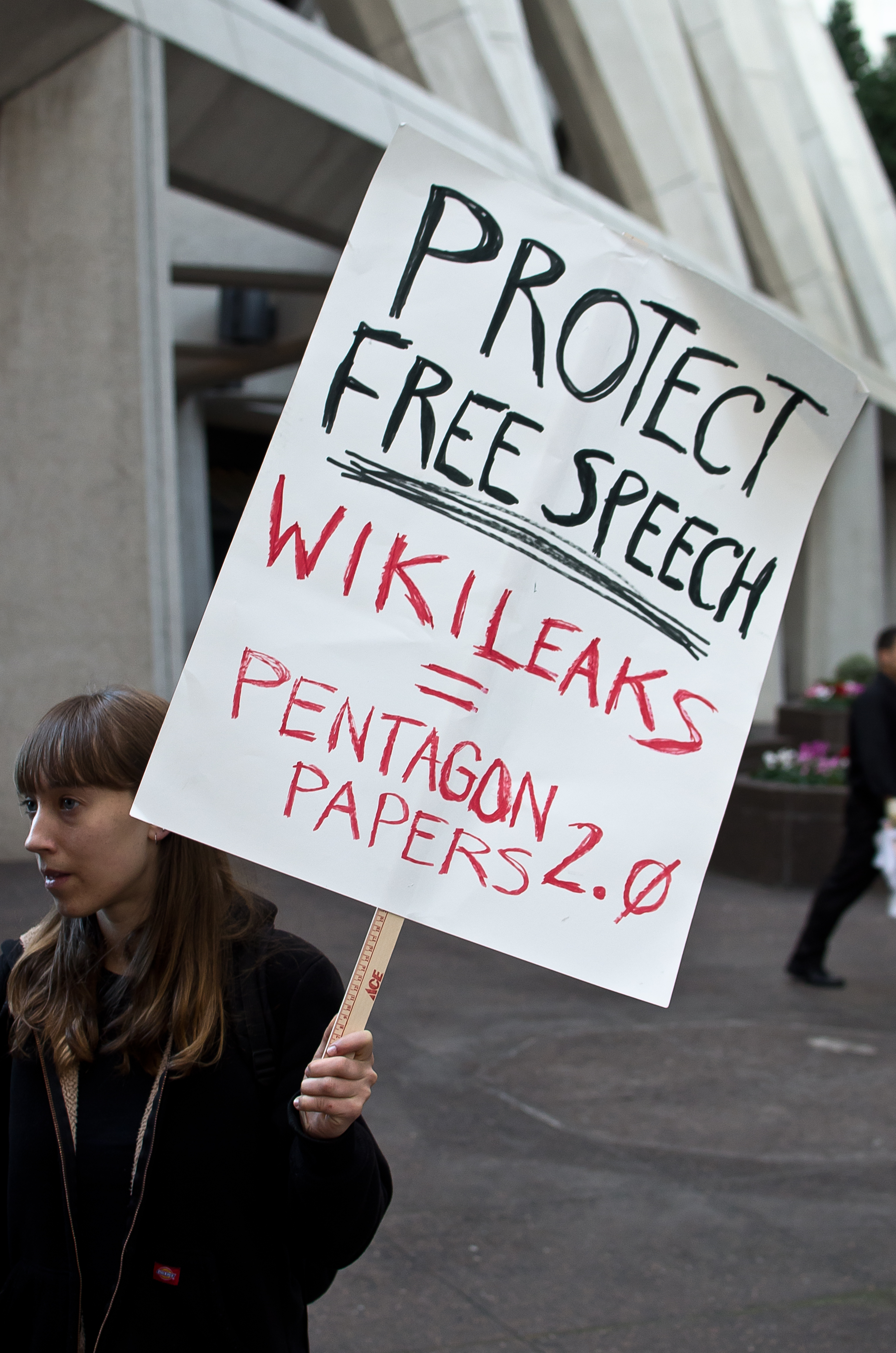 A WikiLeaks protester in support of Free Speech.