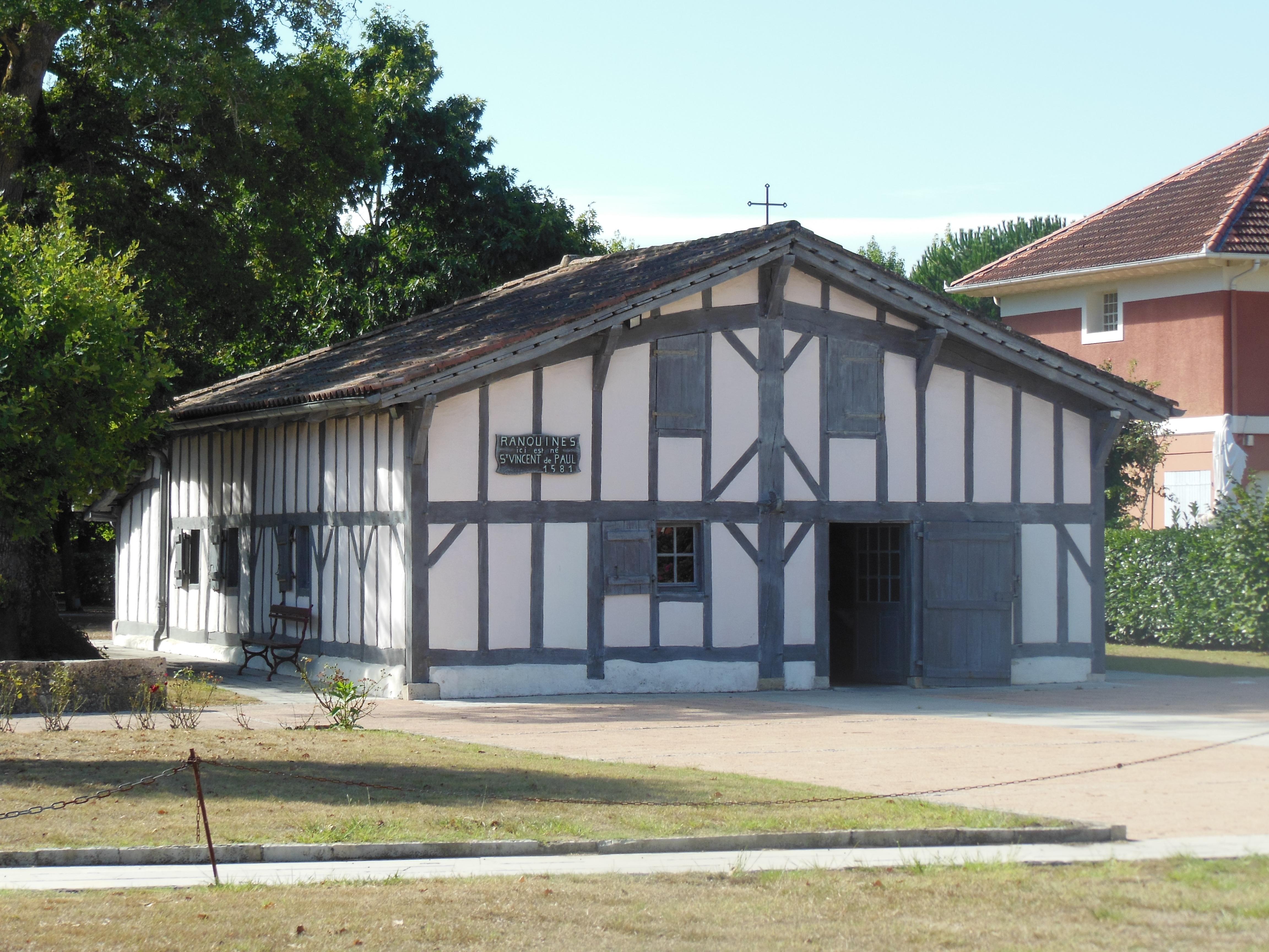 File ranquines 10 jpg wikimedia commons - Maison en bois peinte ...