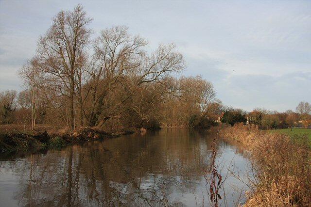 River Lark at Mildenhall - geograph.org.uk - 641322