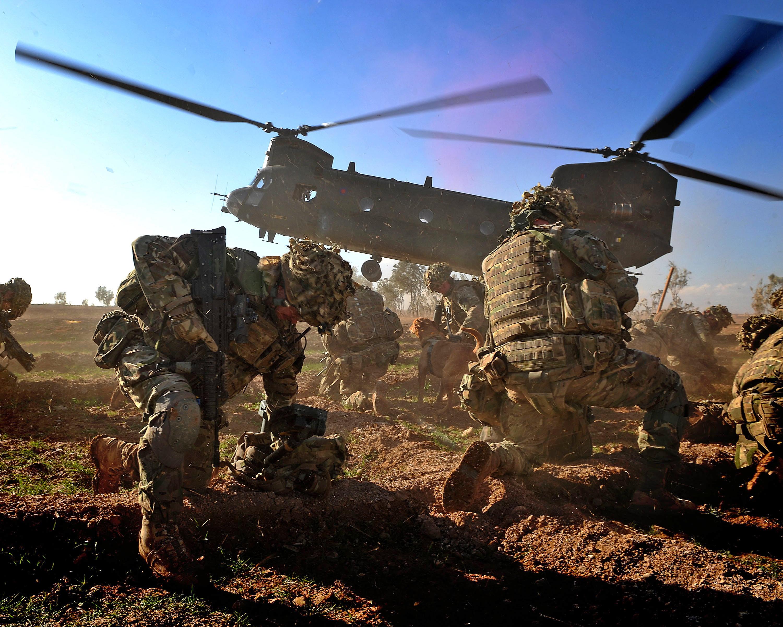 Fileroyal Marines Chinook Landingjpg Wikimedia Commons