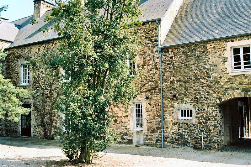 Saint-Sauveur-le_Vicomte_%28Barbey_d%27Aurevilly%29_Maison_natale_2.jpg