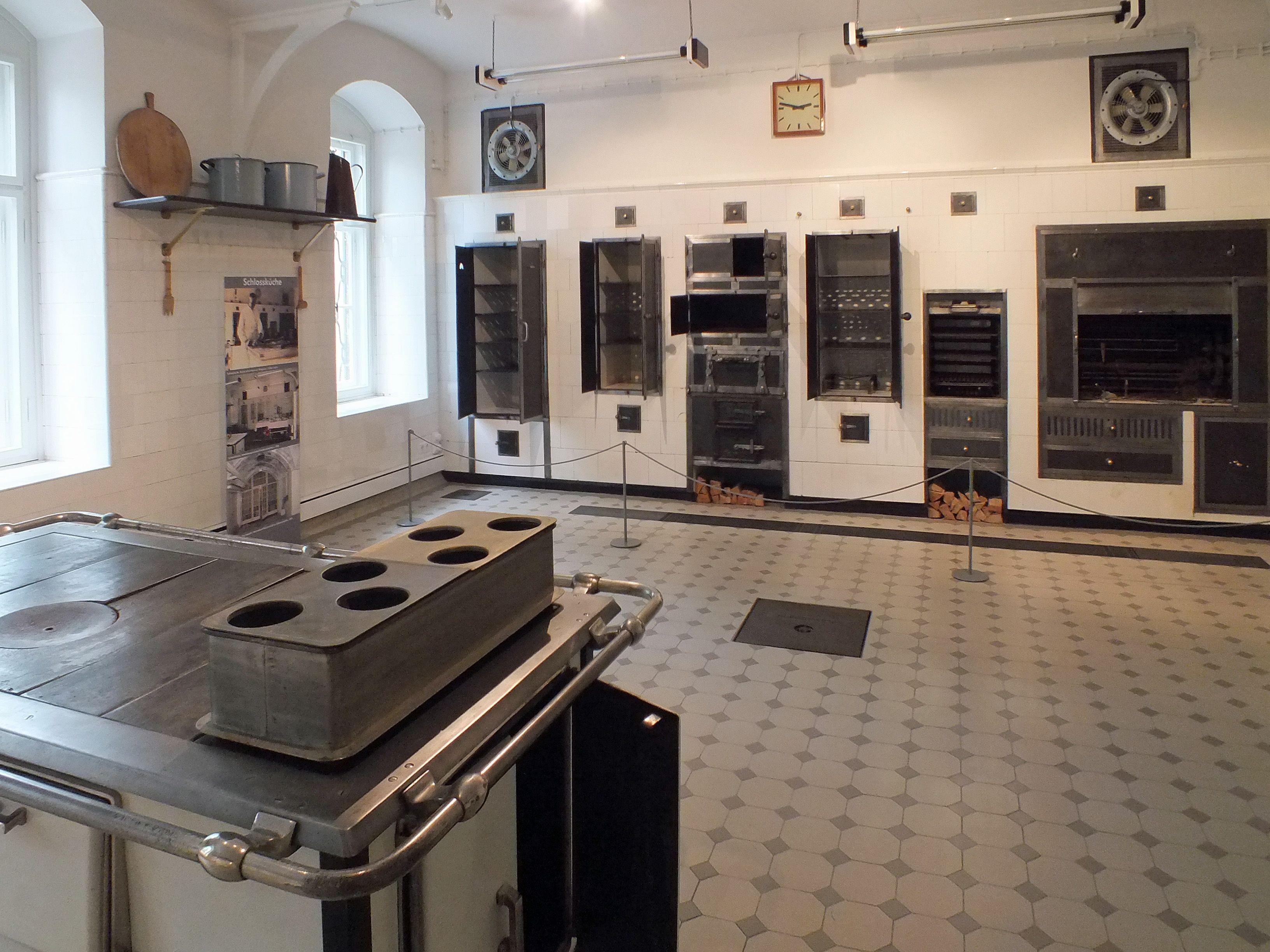 File:Schloss Waldenburg Schlossküche.jpg - Wikimedia Commons